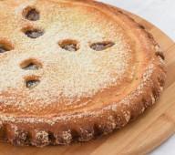 Пирог со сливой и персиком, 1кг.