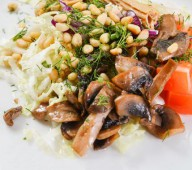 Салат грибной со спаржей
