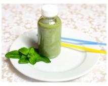 Смузи с малиной и шпинатом на соевом молоке
